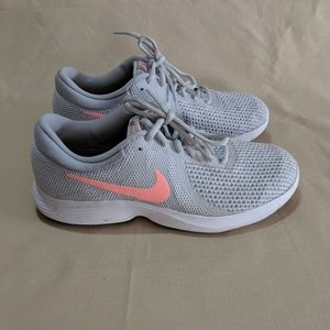 Nike Revolution 4 Women Running Shoe Size 8